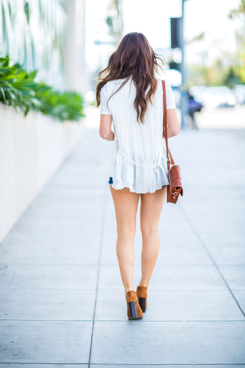 White-Vest-Weekend-Style